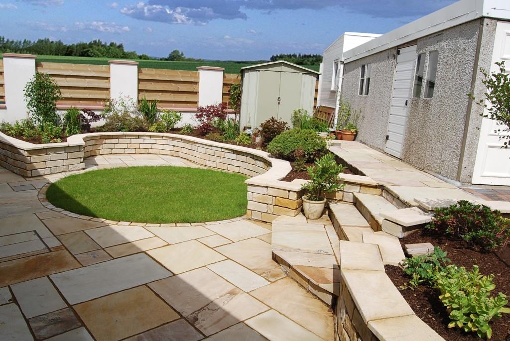 Garden maintenance services scotland simply gardening for Simply garden maintenance